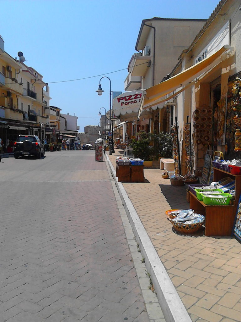 Many people come to Capo Rizzuto for snorkelling and diving. Also great for shopping.