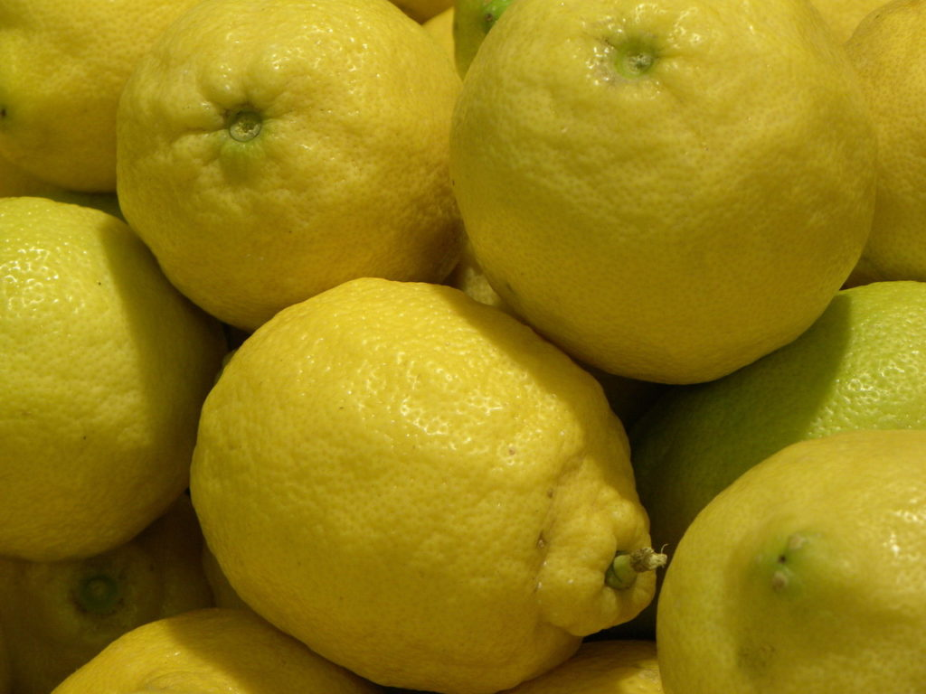 the customs of using lemons