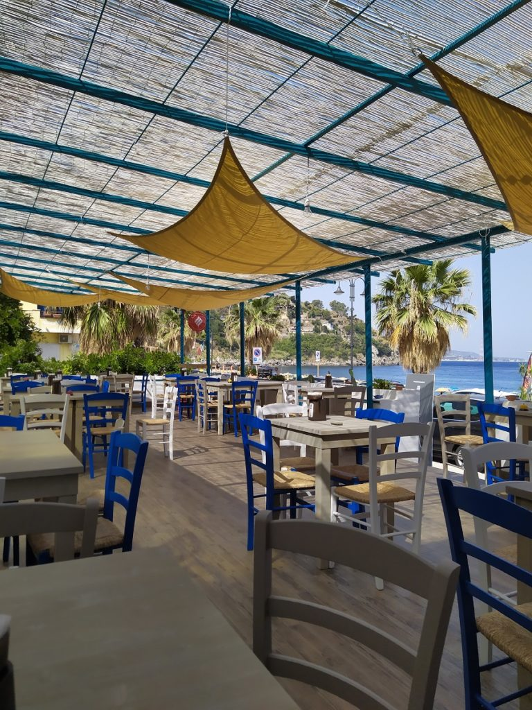 A cafe in Scilla
