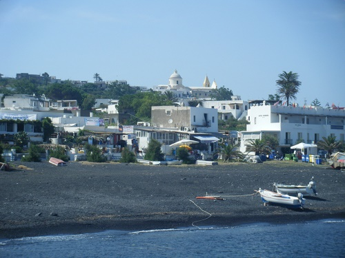 Stromboli beach