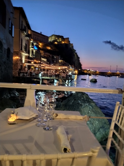 Going to a restaurant in the evening is the most popular nightlife in Calabria