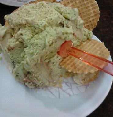 An ice cream bun