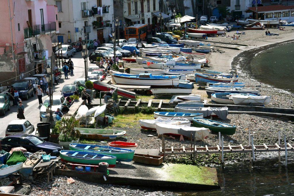 A walk around the fishing village of Marina Grande